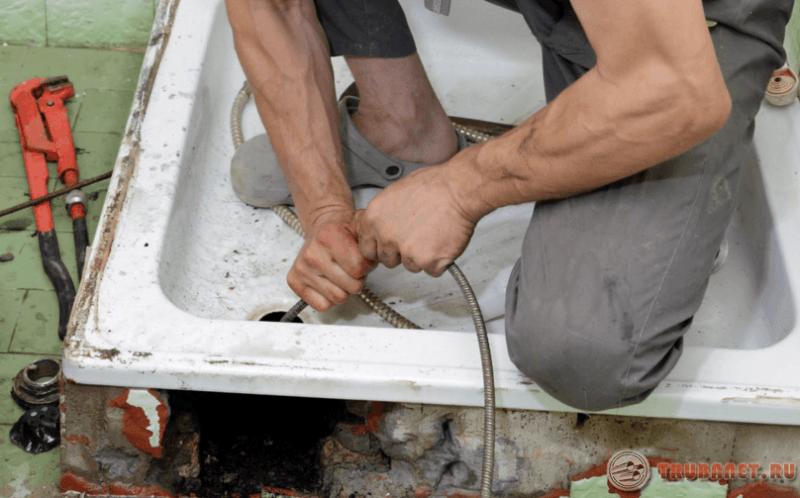 Как почисть трубу в ванной в домашних условиях