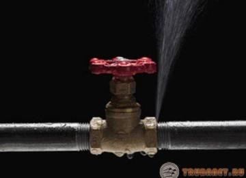Как заделать свищ в трубе под давлением в водопроводной или отопительной системе