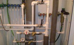 Фото - пример исполнения пластикового водопровода отопления