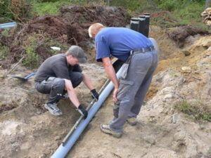 Фото - установка наружной канализац. с контролем угла наклона