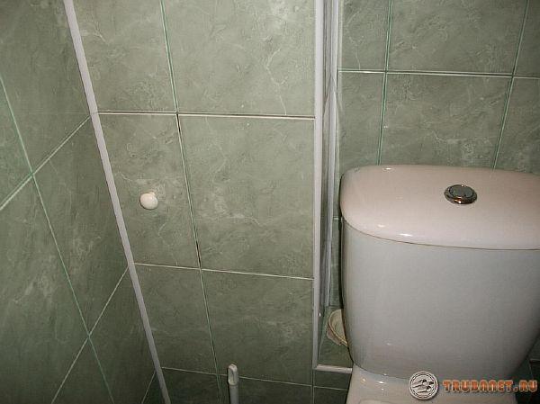 Фото: закрыть канализацию в ванной комнате панелями из пластика