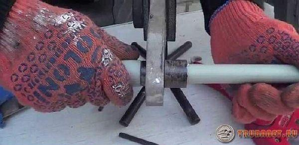 фото: как запаять полипропиленовую трубку