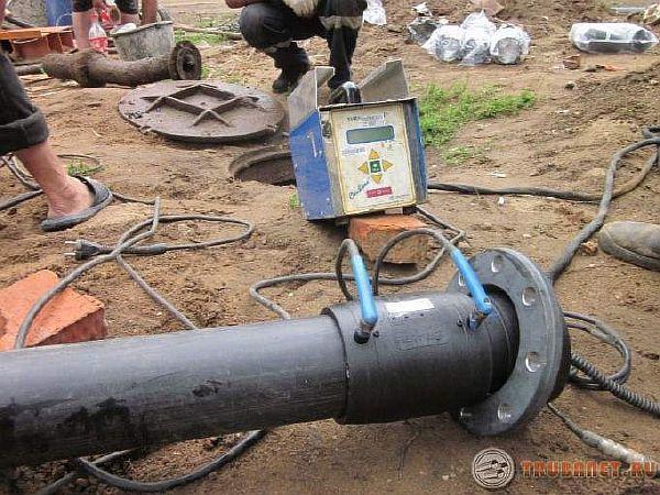 фото: Сварка пластикового трубопровода