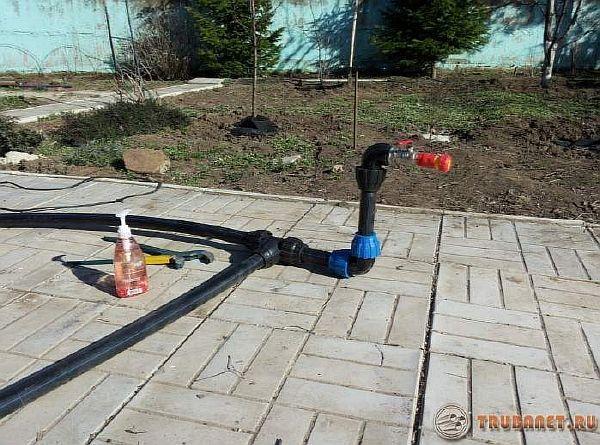 фото: водопроводная система на даче