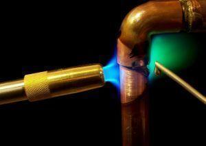 фото: Как паять медные трубы
