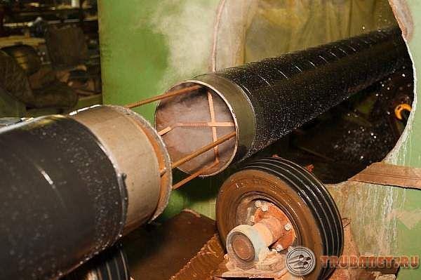 Фото: Весьма усиленная изоляция стальных труб