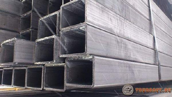 Фото: электросварная стальная профильная труба