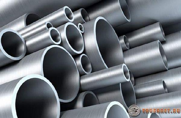 Фото: много трубопрокатов из металла разных диаметров
