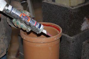 Фото: Нанесение герметичных веществ
