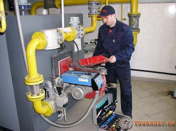 Фото: Технология гидравлической опрессовки труб отопления