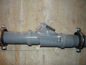 Фото 4. Обратный клапан на фановой системе