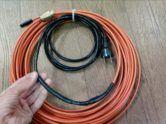 Фото: греющий кабель внутри канализационной трубы