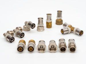 Фото 1. Фитинговые детали для металлопластиковых труб