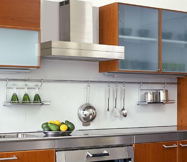 фото - рейлинговая система как спрятать газ на кухне