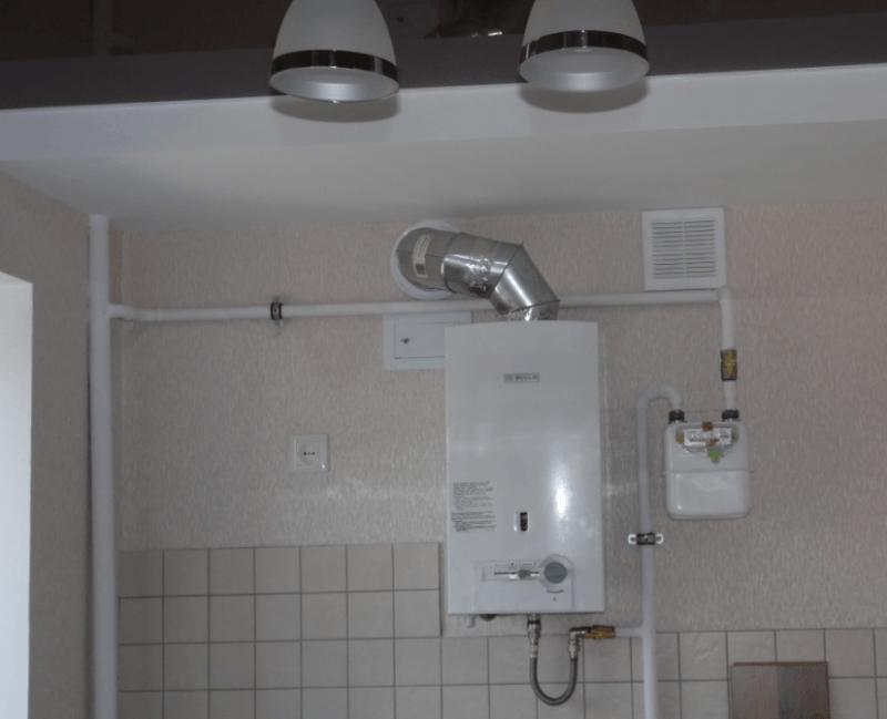 Фото: газовый водонагреватель