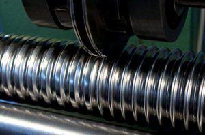 Фото - процесс изготовления гофротрубы из нержавеющей стали