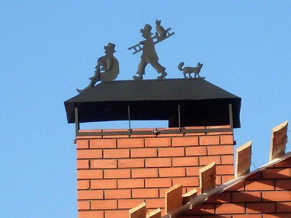 Фото - 8. Надежный и красивый колпак на дымоходе улучшает экстерьер дома, но препятствует нормальной тяге в нем