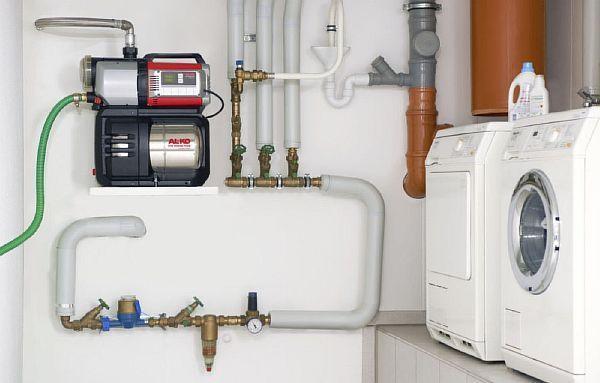 Фото – место расположения устройства повышающее давления в водопроводе