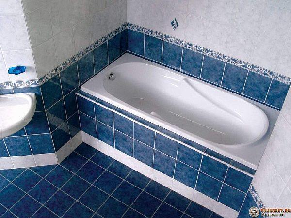 Фото – как устанавливается акриловая ванночка на фундаменте
