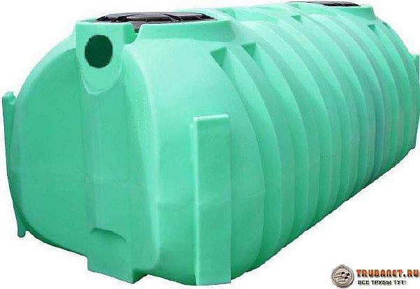Фото – пластиковая емкость для канализации на даче