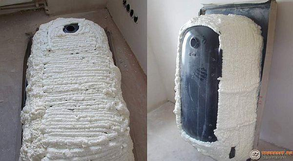 Фото – утепление стальной ванны монтажной пеной