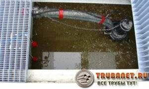 Фото – полупогружной фекальный аппарат для канализации в частном доме
