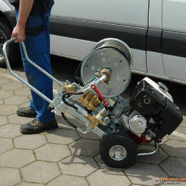 Фото – устройство для гидродинамической прочистки труб канализации в частном доме