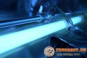 Фото – установка для обработки сточной влаги жестким ультрафиолетовым излучением