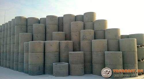 Фото – Сегодня бетонные кольца сильно востребованы среди дачников