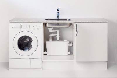 Фото – подключенная насосная система к раковине на кухне