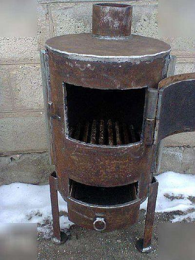 Фото — Вертикальная печь на ножках.