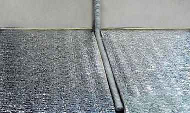 Фото — Укладка изоляционного материала
