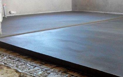 Фото — Заливка бетонной стяжки под стержневой пол