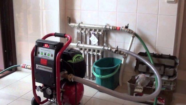 Фото — Проведение опрессовки водяной системы