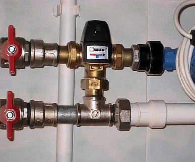 Фото — Установка трёхходового клапана на коллектор