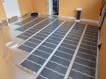 Инфракрасный теплый пол под плитку: требования, минусы и инструкция к монтажу