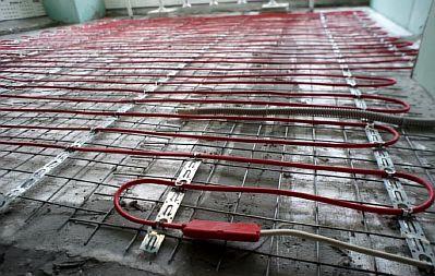 Фото — Раскладка и крепление кабеля