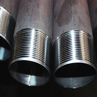 Фото — Сварные трубы с резьбой