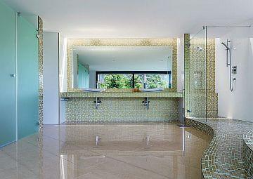 Фото — Тёплый пол в бассейне
