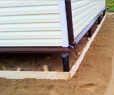 Фото — Насыпаем песчаную подушку