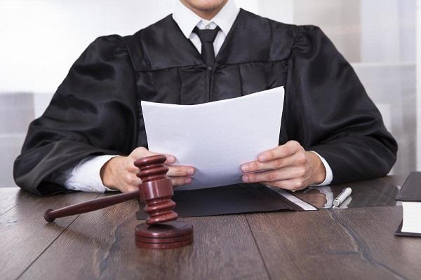 фото - рассмотрение заявления о причинах холодных батарей в суде